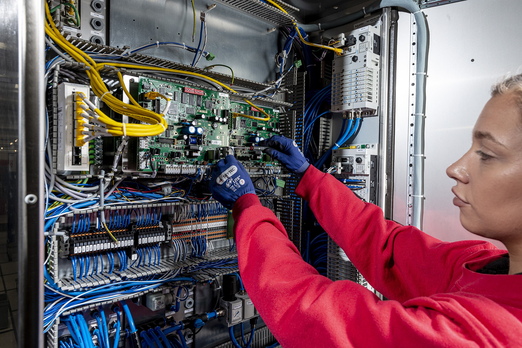 Electronics assembly » 2019 11 PP EA 3 » PP Control & Automation
