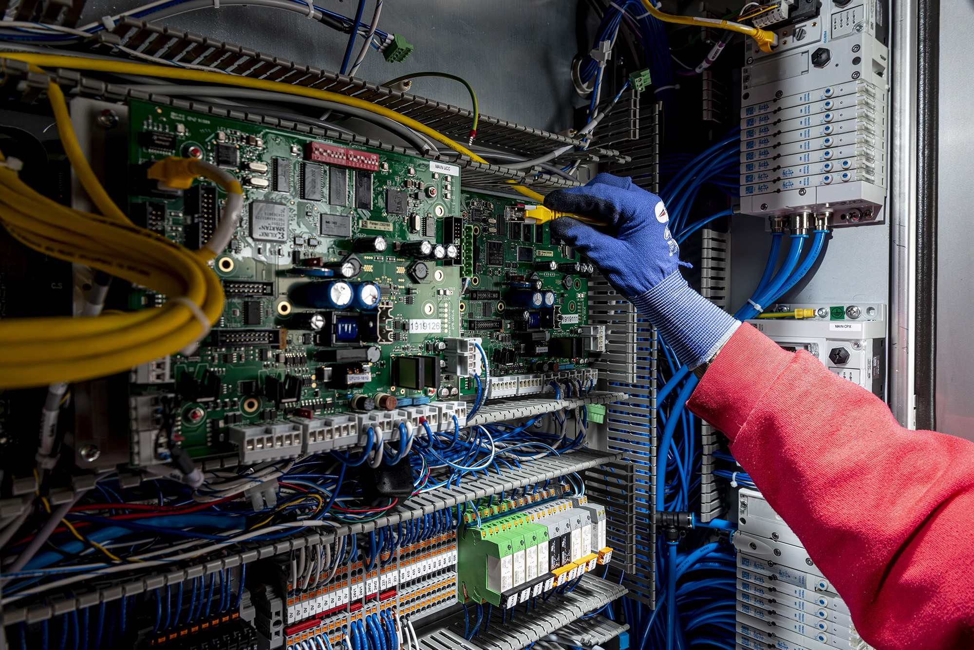 Electronics assembly » 2019 11 PP EA 4 » PP Control & Automation